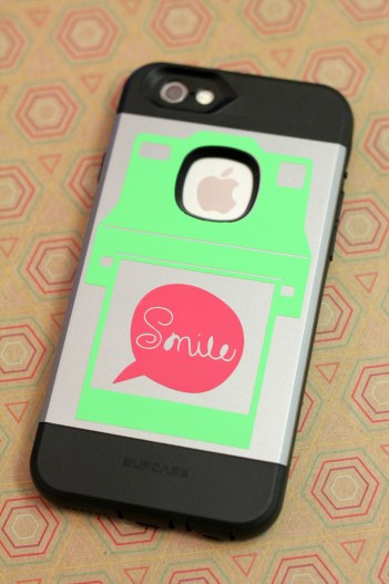 How to get perfectly sized vinyl phone decals every single time!
