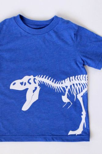 Dinosaur Tee Using Flocked Heat Transfer Material | Silhouette Project Round Up | Creative ideas for your CAMEO or Portrait