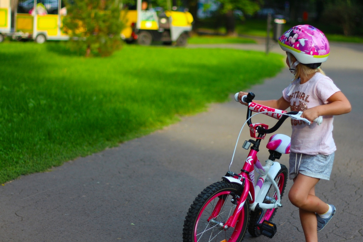 Teach Your Child How To Ride A Bike In 6 Simple Steps