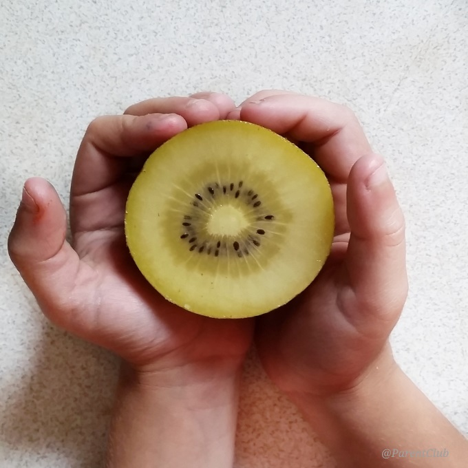 Lunchbox inspiration Zespri SunGold Kiwifruit via www.parentclub.ca