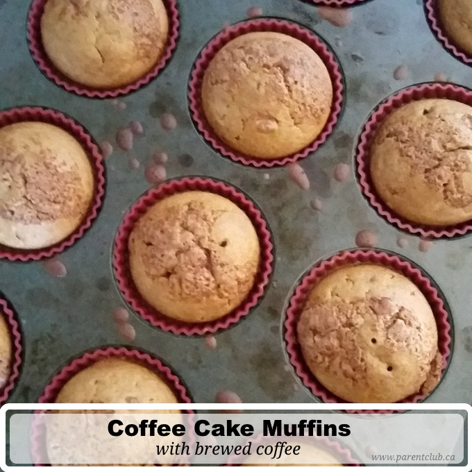 Coffee Cake Muffins with brewed coffee via www.parentclub.ca