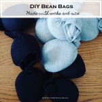 DIY bean bags made with socks and rice via www.parentclub.ca