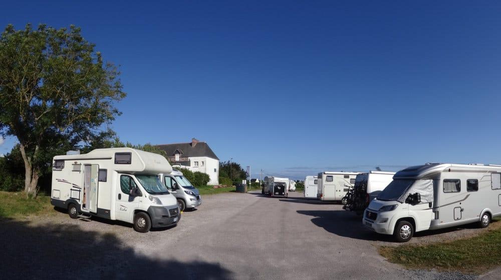 L'aire de camping-car de Plévenon, point de départ idéal pour une longue balade vers le Cap Fréhel
