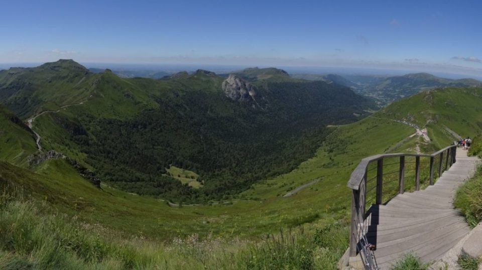 Panorama depuis le sommet du Puy Mary