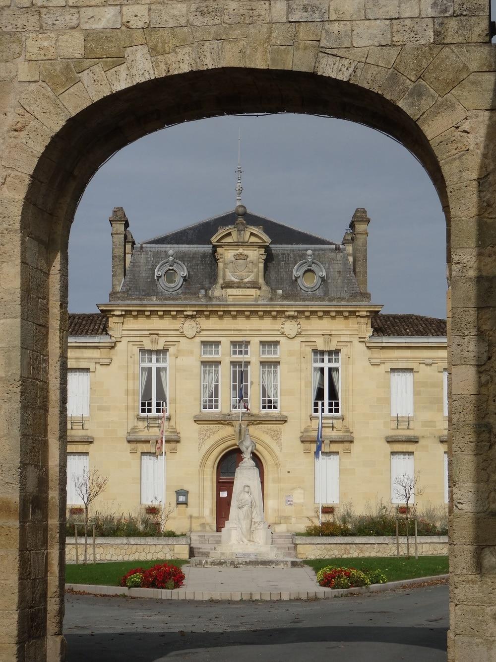 Rions, village médiéval sur les rives de Garonne