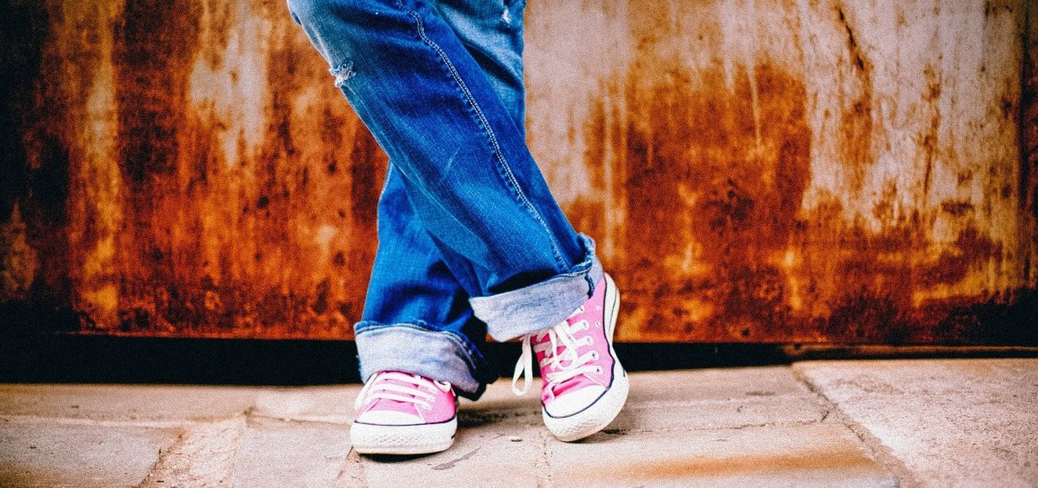 Positive parenting tips for raising teenagers. Some easy to follow tips for parents struggling with the teenage years. Read positive parenting tips ...