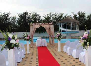 salon-du-mariage-foto-cununie-civila-si-religioasa-la-piscina-3-370x270