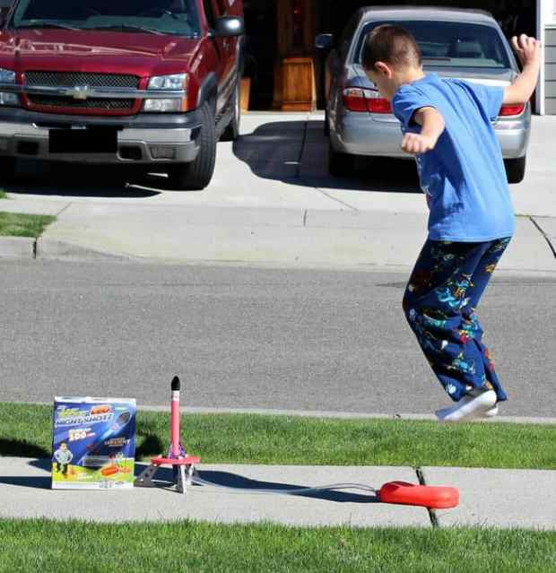 geospace-jump-rocket-led | Parenting Healthy