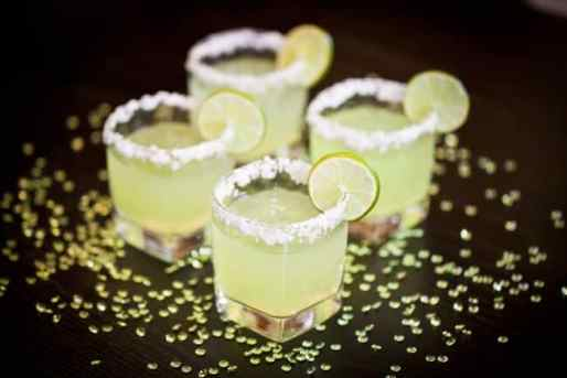 Slim and Sparkling Lemon Lime Margarita