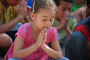 Teaching Children How Prayer Works - Parenting Like Hannah
