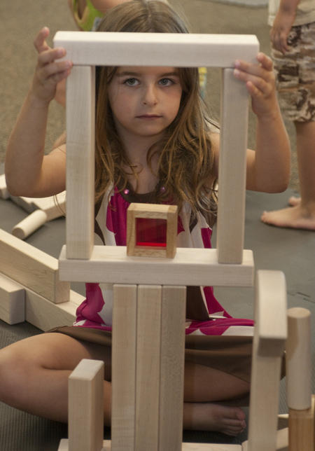 5 stages of block play (3/5)