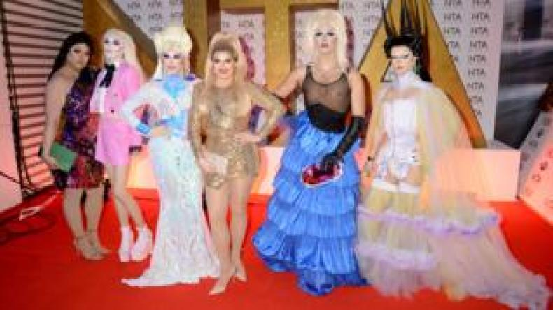 Sum Ting Wong, Scaredy Kat, Blu Hydrangea, Cheryl Hole, Crystal and Gothy Kendoll of RuPaul's Drag Race