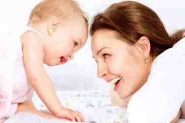 The Best Ways to Interact with a Newborn