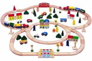 Kids Destiny Triple-loop Wooden Train Set