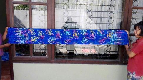 sarong521-34-sarongs-from-indonesia