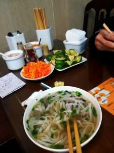 blog-voyage-couple-parfums-de-liberte-leo-et-julie-petit-budget-soupe-vietnam