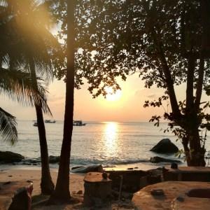 blog-voyage-couple-parfums-de-liberte-leo-et-julie-petit-budget-koh-tao-coucher-soleil