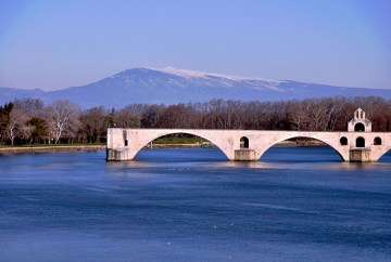 Le-pont-d-Avignon-plus-Ventoux