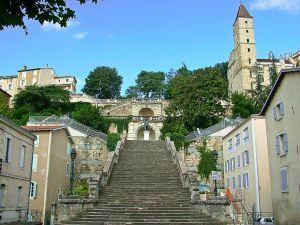 1024px-escalier_monumental_dauch_en_2007_depuis_renove
