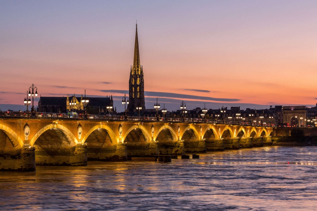 Bordeaux pont de pierre