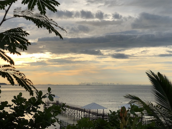 On peut voir Singapour de l'autre cote