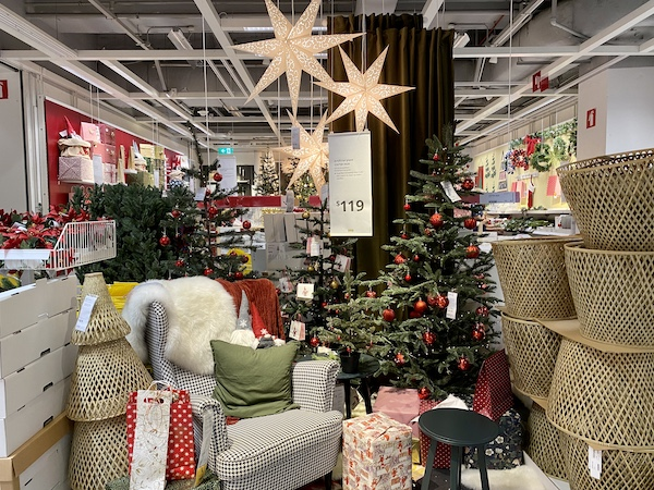 Ikea Decoration de Noel a Singapour