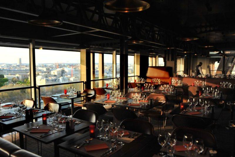 Restaurantes dentro da torre eiffel