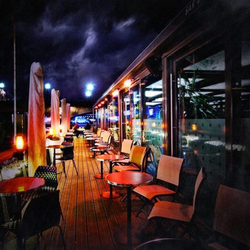 restaurantes dentro de barco em Paris
