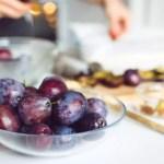 Przepis na wegańską tartę ze śliwkami