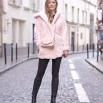 Zimowa stylizacja z różowym futerkiem