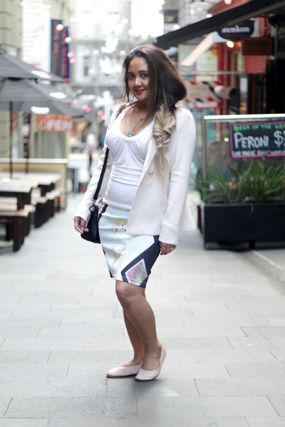 How To Wear Printed Pencil Skirt Everyday Fashion Paris Chic Style 3_resize