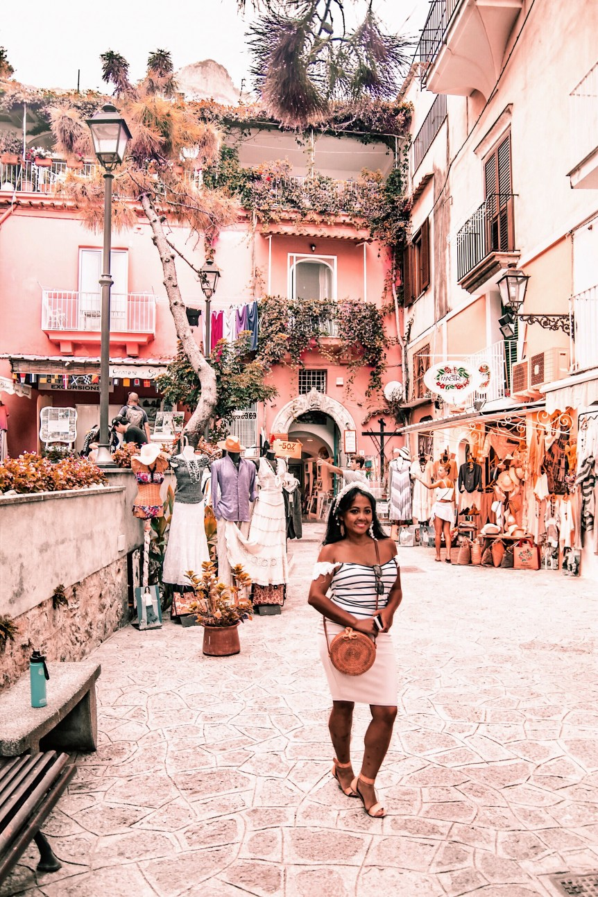 Positano-Travel-Guide-Best-Things-To-Do-In-Positano-Paris-Chic-Style-3