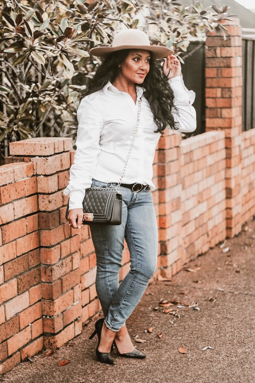 French style outfit Parisian how to dress french girl Paris Chic Style