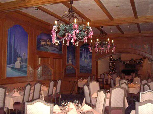 Auberge du Cendrillon comida con princesas