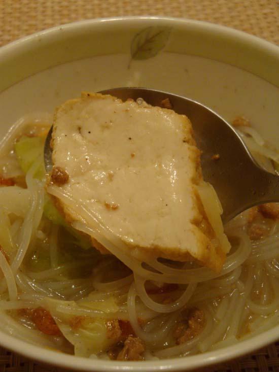 芋香.高麗菜.油豆腐米粉湯~(*゚ ゚*) | Maggie。自在生活