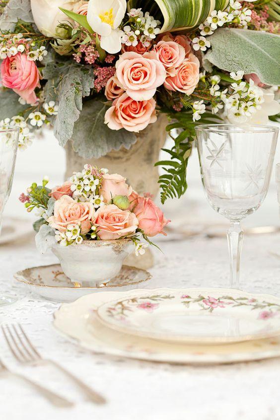 Thème-mariage-vintage-table-porcelaine-ancienne
