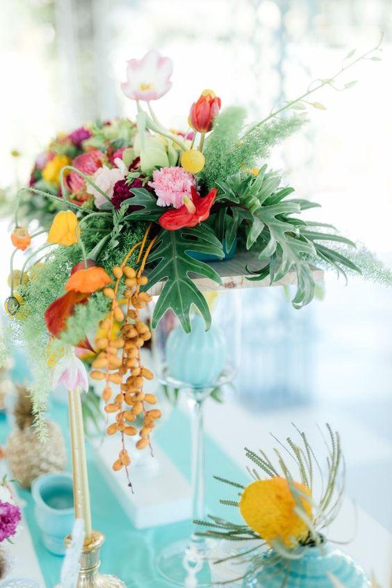 Thème-mariage-tropical-décoration-floral-table
