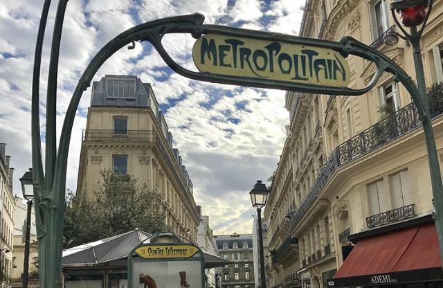 パリ メトロ