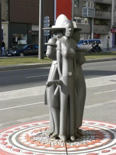 Fontaine Poings d'eau de Pascale Marthine Tayou