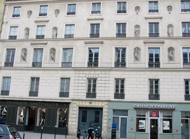 3 rue Soufflot 75005 Paris - Immeuble aux statues