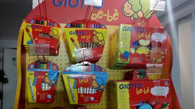 Giotto Be Be Les Crayons De Coloriage Adaptes Aux Bebes Paris