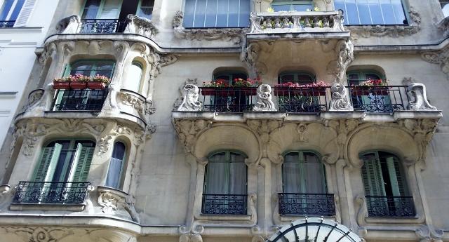 Art Nouveau à Paris : La Maison des Arums, 33 rue du Champ de Mars