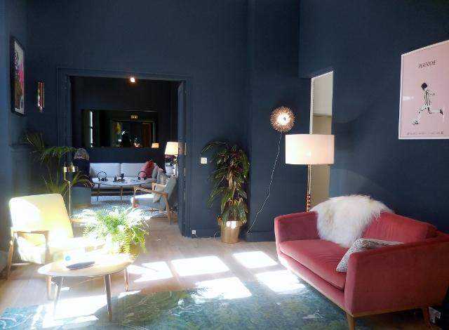 pourquoi les parisiens louent leurs biens sur airbnb. Black Bedroom Furniture Sets. Home Design Ideas