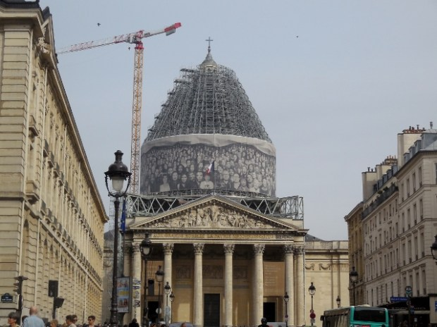 Au Panthéon ! Une installation de JR