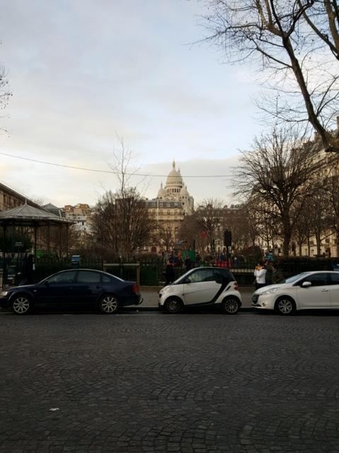 Montmartre depuis l'avenue trudaine Basilique du Sacré Coeur