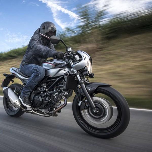 image 01 SV 650 X chez Suzuki Paris Nord moto