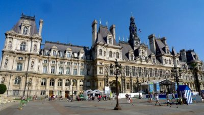 Today, Hotel de Ville is the site of Paris City Hall and a pleasant spot for ice-skating and concerts. But the square has a bloody history.