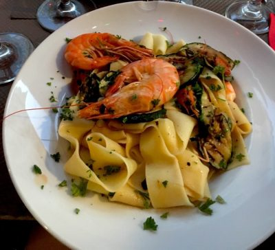 Tagliatelle with whole shrimp at Sale et Pepe. Image: Foursquare