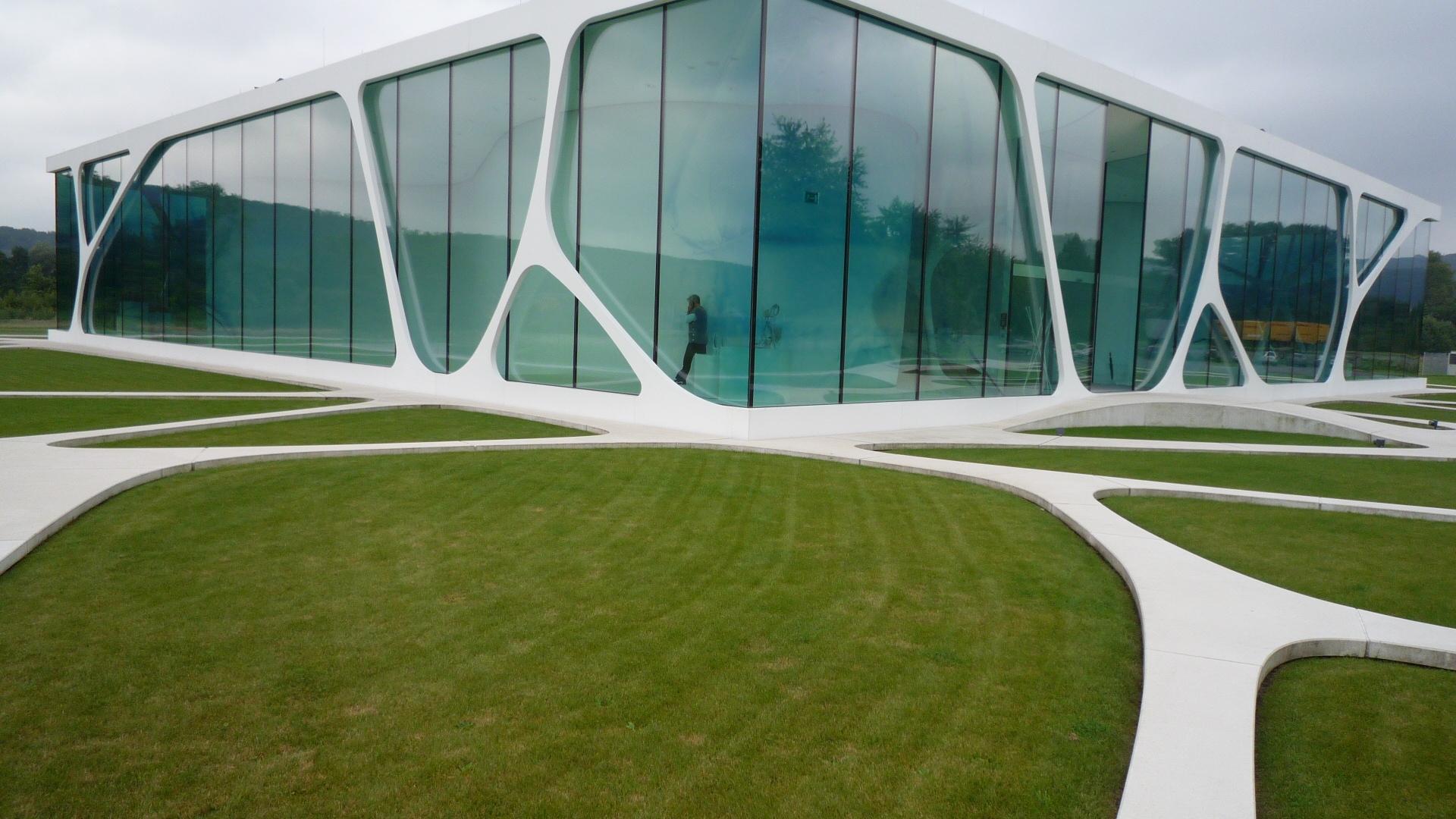 Leonardo Glass Cube By 3deluxe Parisworkingforart