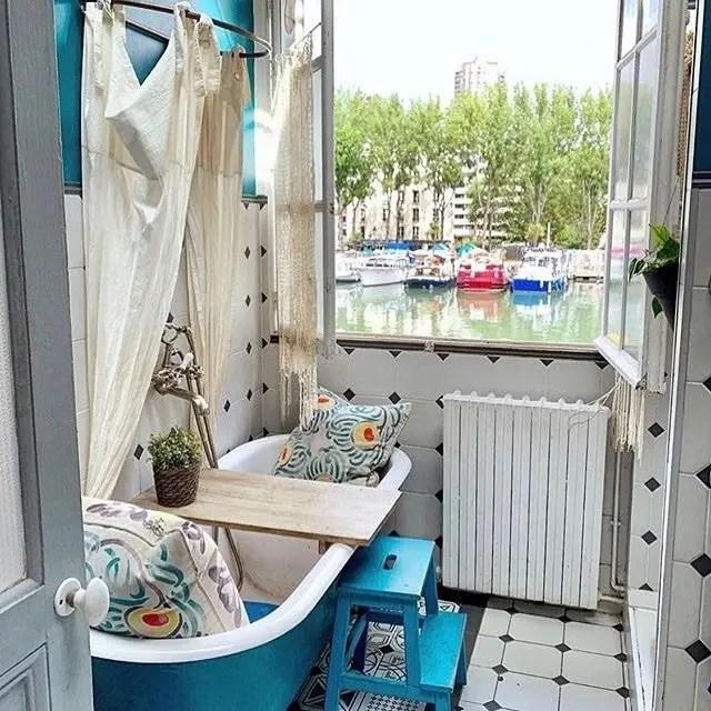 le pavillon des canaux bathroom